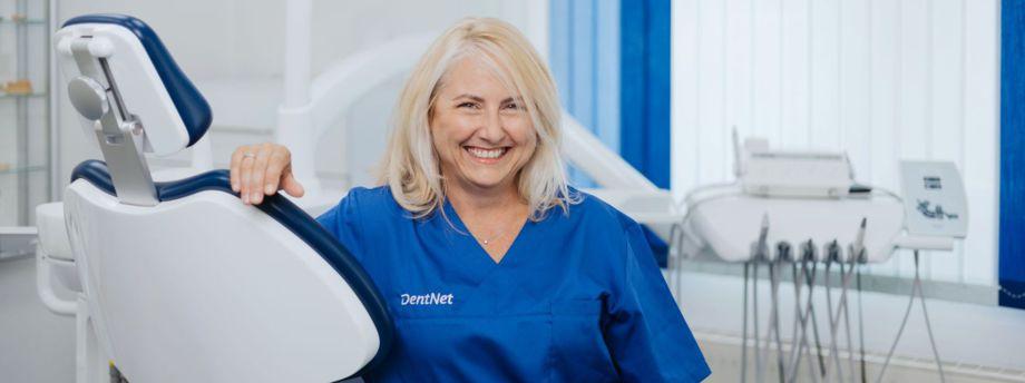 Frau Dr. Schiller und Frau Vatmani